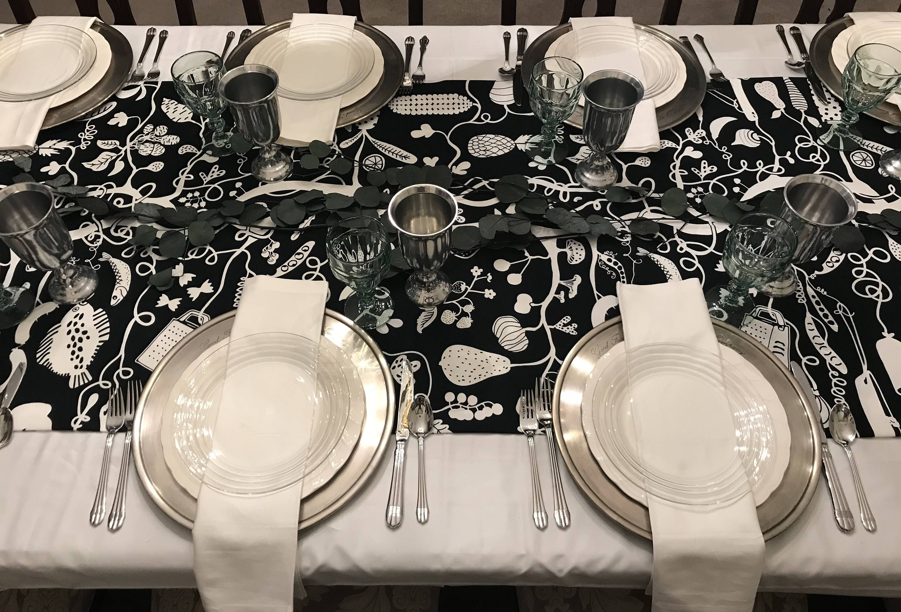 Reinvent Family Gatherings With This Extra Wide Black White Coloring Book Table Runner Holiday Table Settings Thanksgiving Table Linens Christmas Table Cloth