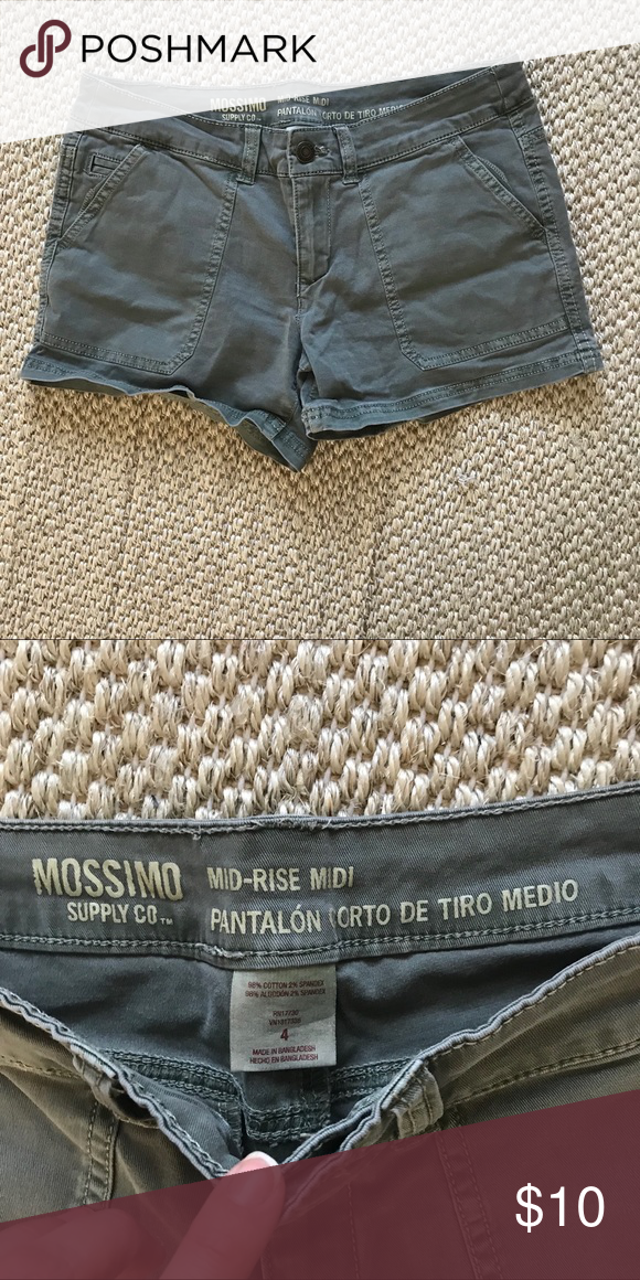 feb849d54de Mossimo cargo shorts Olive green. Size 4 Mossimo Supply Co. Shorts ...