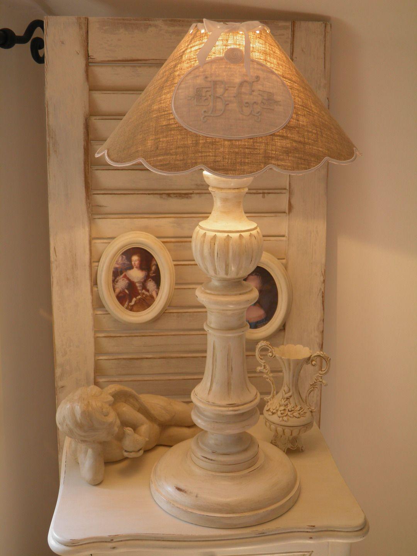 lampe de chevet ancienne patinée pour une déco style shabby