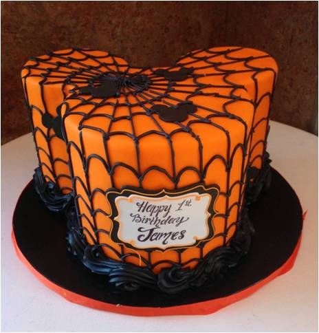 Halloween Mickey Shaped Cake! #halloweencake #disneyhalloween #halloween #halloweenparty #disneycakes