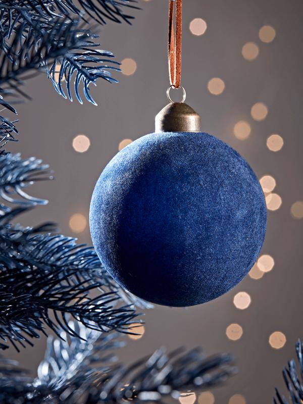 Six Velvet Baubles Navy In 2020 Christmas Tree Decorations Gold Christmas Decorations Christmas Trends
