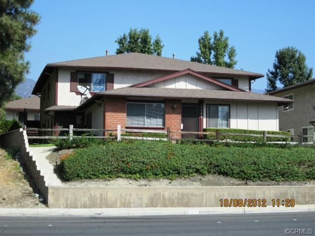 1189 West SIERRA MADRE Avenue, #4, Azusa, CA 91702. Great 2 Bedroom Condo next door to the Golf Course! Only $122,000!