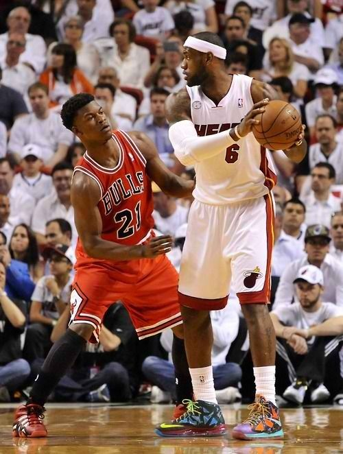 Jimmy Butler Hey Lebron Enjoy The Ball While You Have It Because I M Going To Steal It In About 5 Seconds Lebron James Shoes Cleveland Cavs Sports Basketball