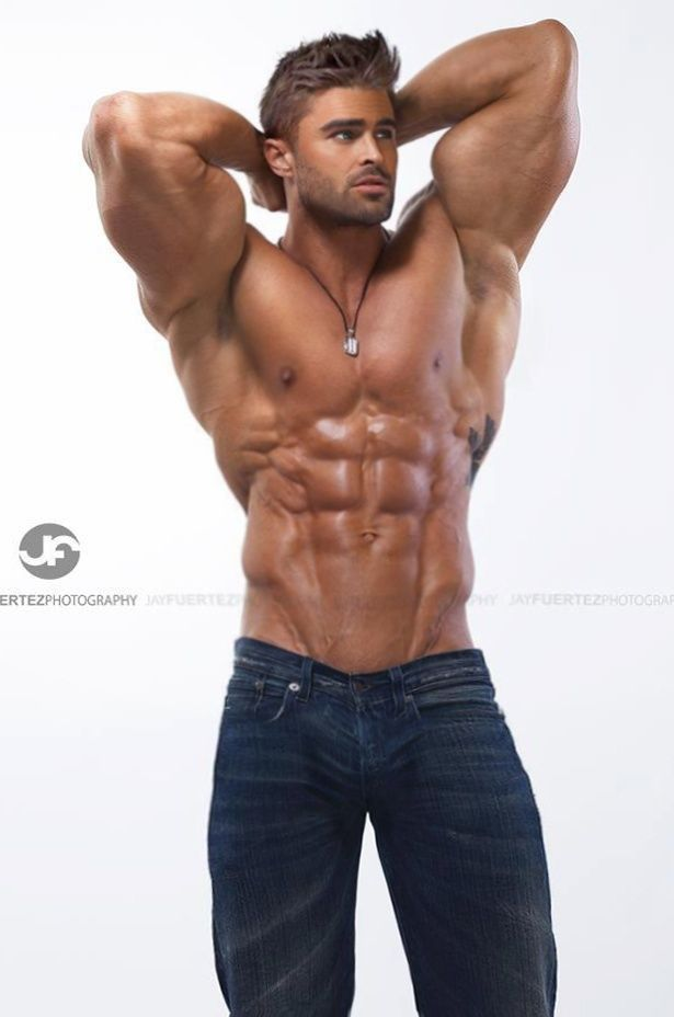 sexy muscle dudes