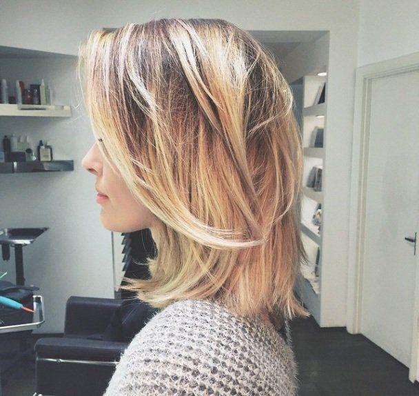 kapsel halflang blond