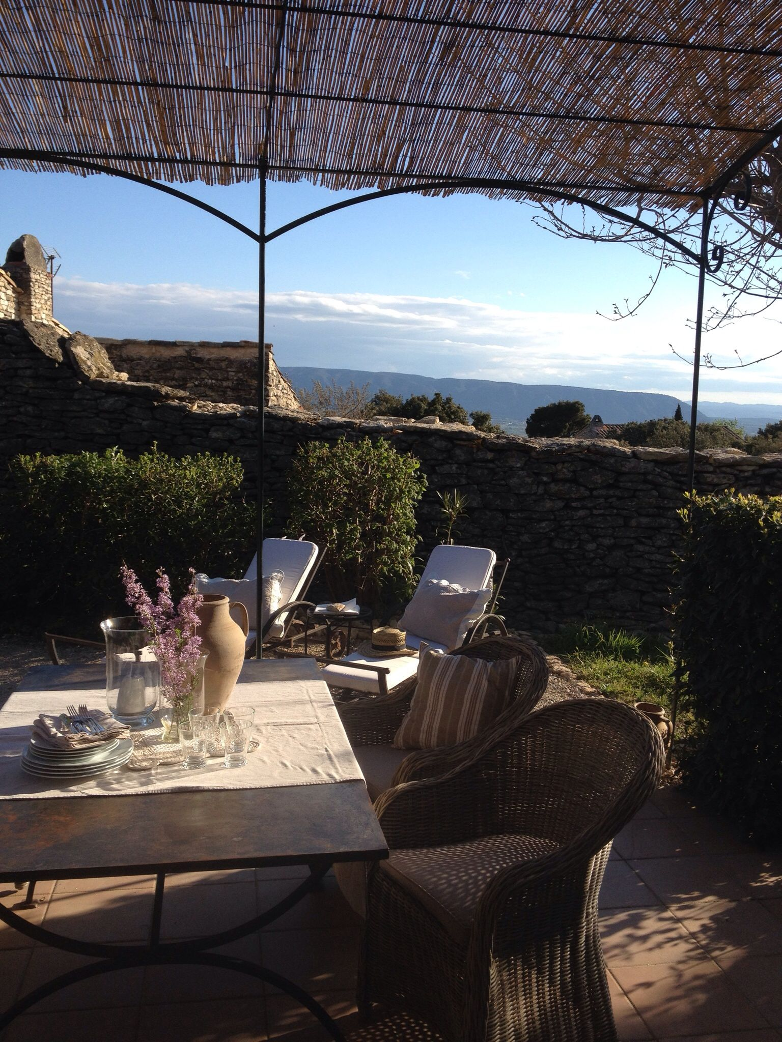 bastidon for rent in gordes philippe van taylor gmail com out