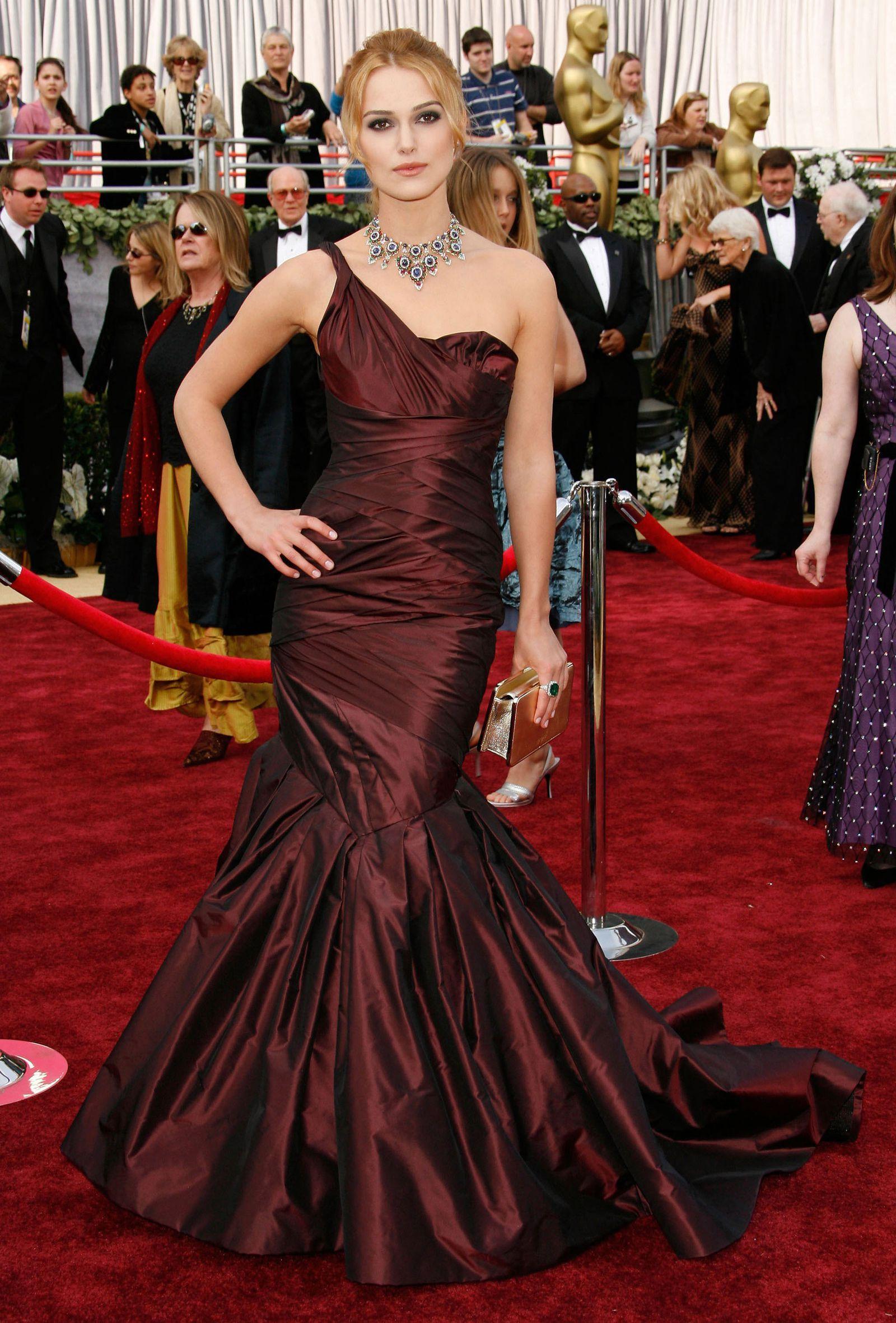 065e6b289c20 #KeiraKnightley, 2006 #VeraWang #gowns #AcademyAwards #Oscars #fashion  Oscars Red