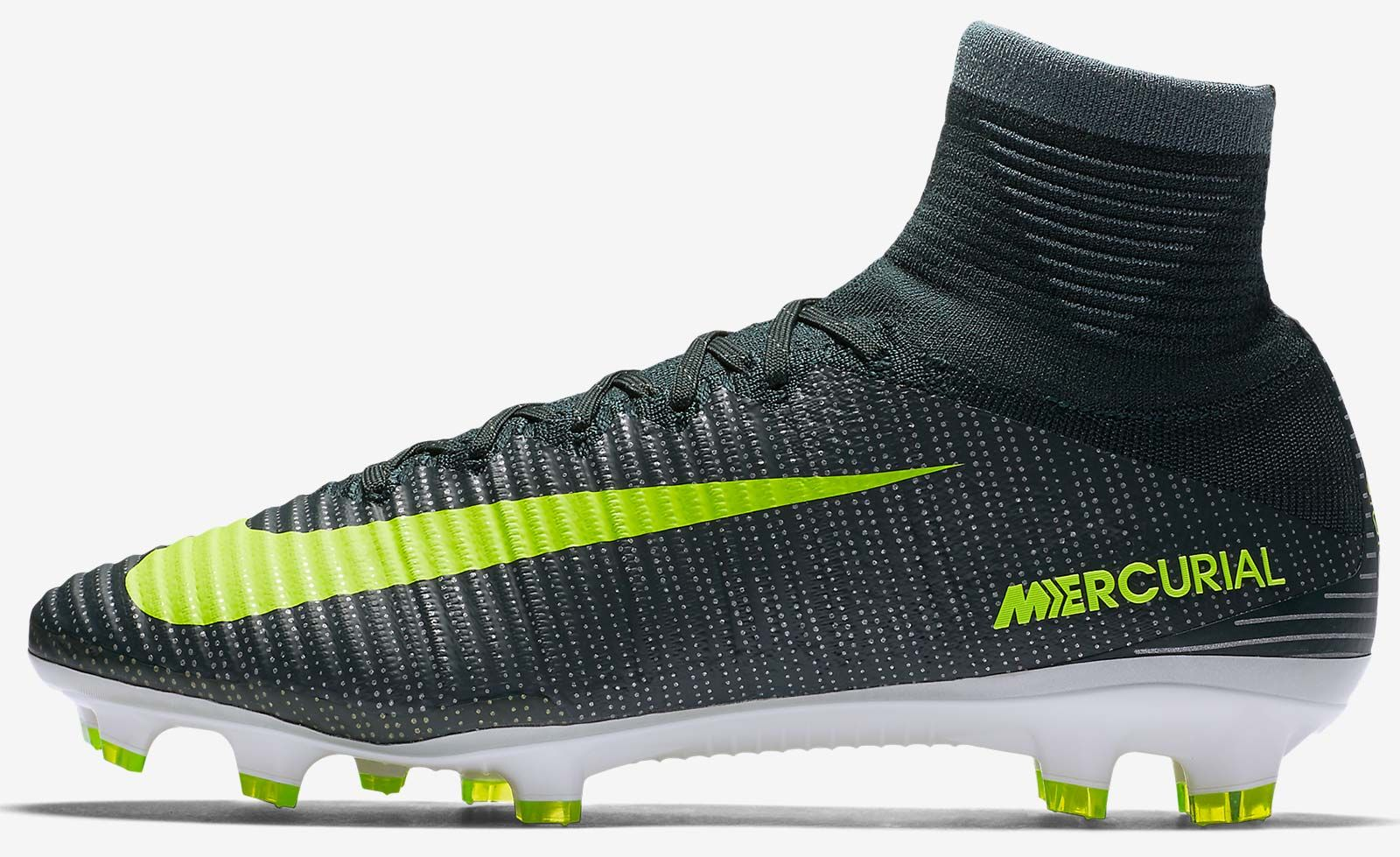 release date 0d0f3 df8bb The dark green Nike Mercurial Superfly 2016-2017 Cristiano ...