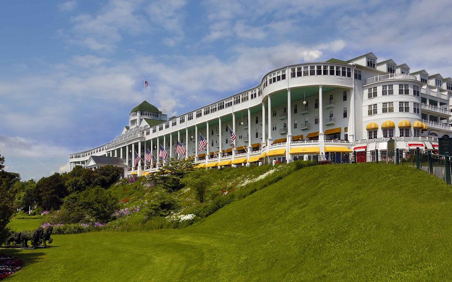Michigan Grand Hotel Mackinac Island Generations Of Families Have Summered At The On Ss Lake Huron Which Scored