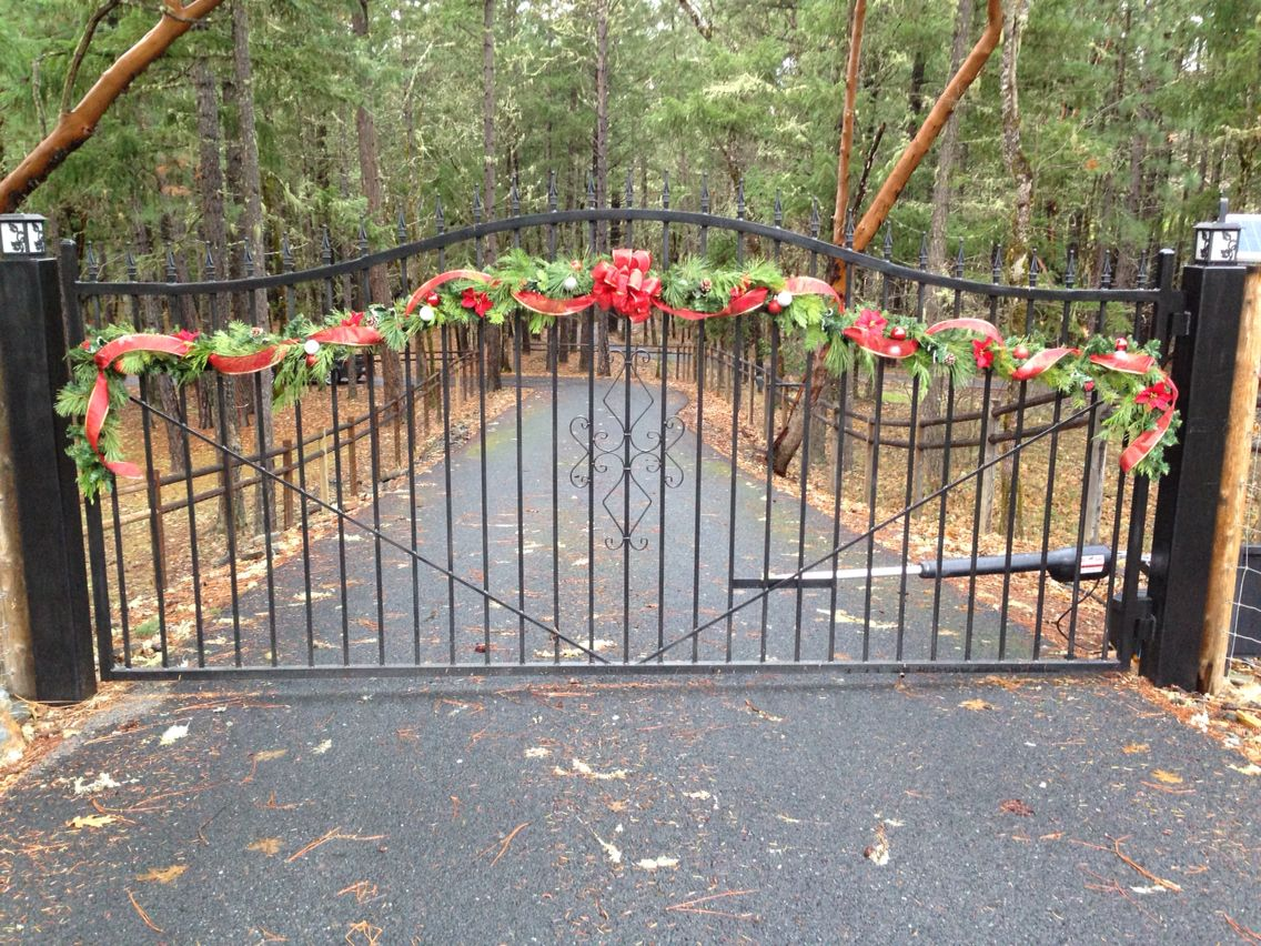 Christmas Garland For Driveway Gate Red