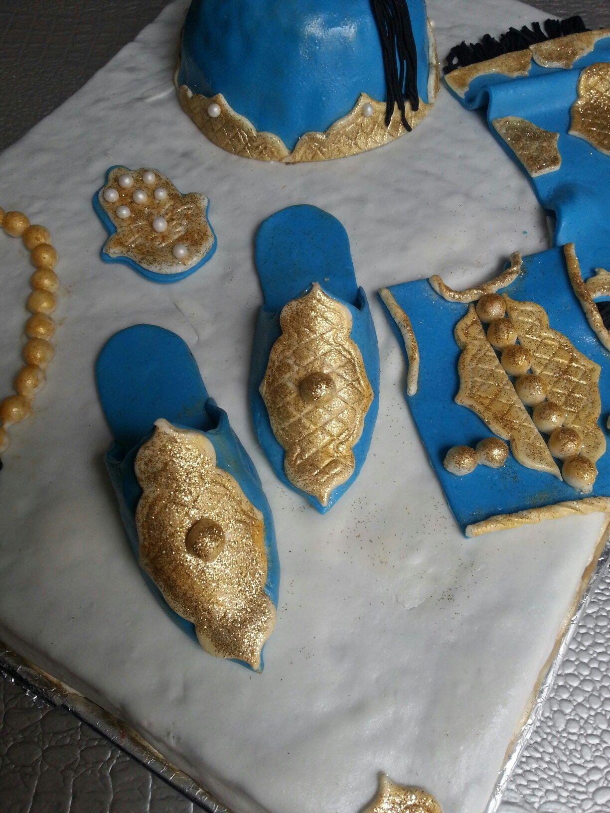 Déco · Cakes design. Babouches et gilet en pâte à sucre pour une  circoncision