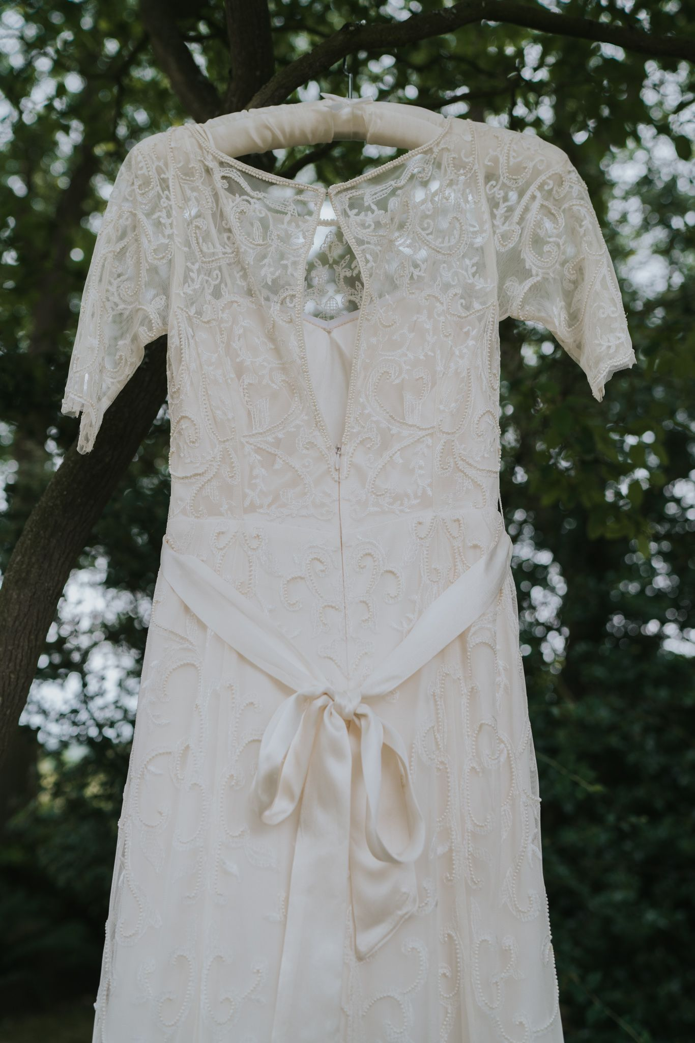How to pull off a diy rustic wedding white lace crochet and beaded