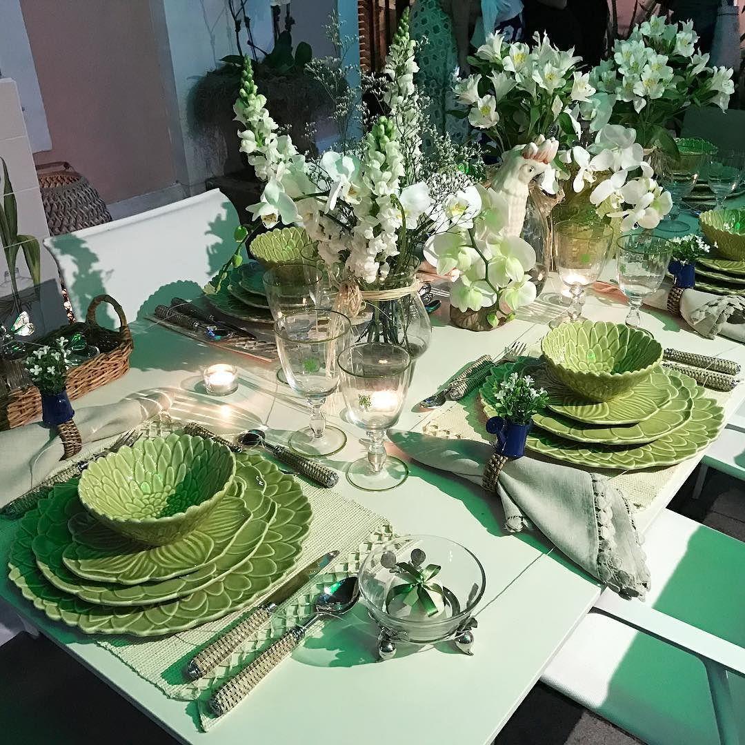 Desejando esta produção de mesa para um almoço ou jantar com velas. #canalolioli #olioliteam #mesaposta #mesasdecoradas #casacorrio