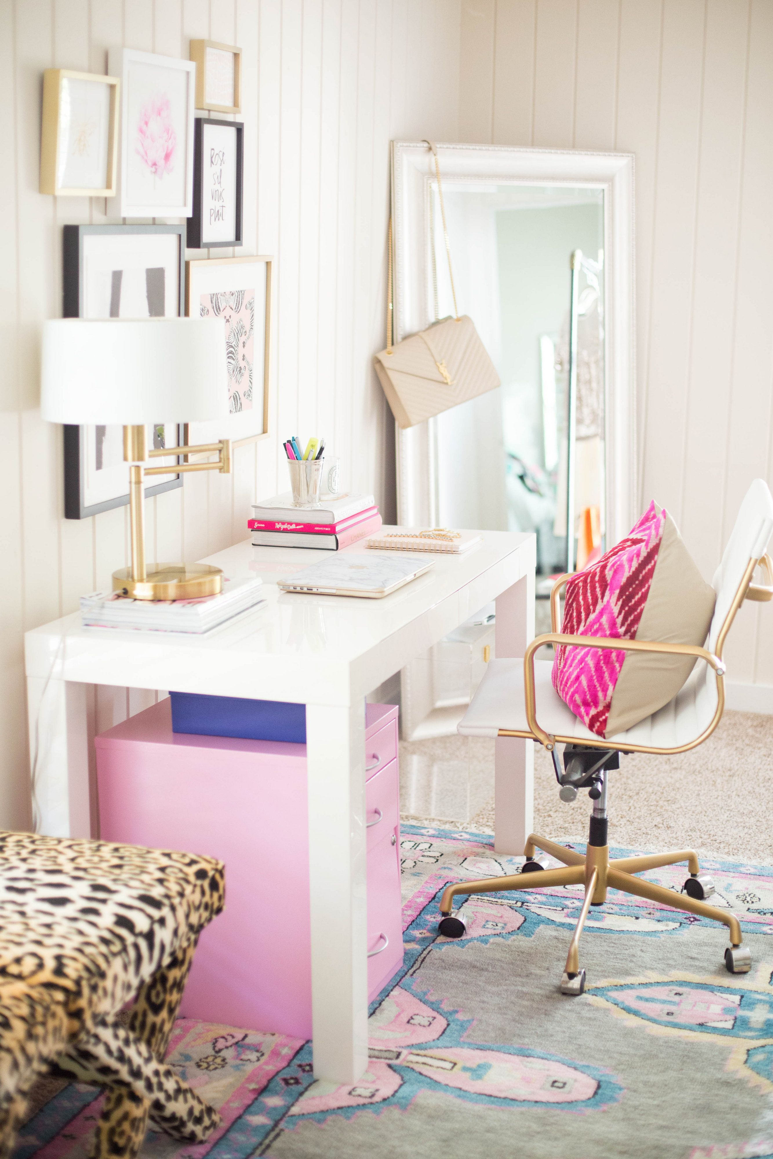Tour This Amazing Fashion Blogger S Transitional Home Office: Blogger Office. Girly Office. Pink Office. White And Gold Office.