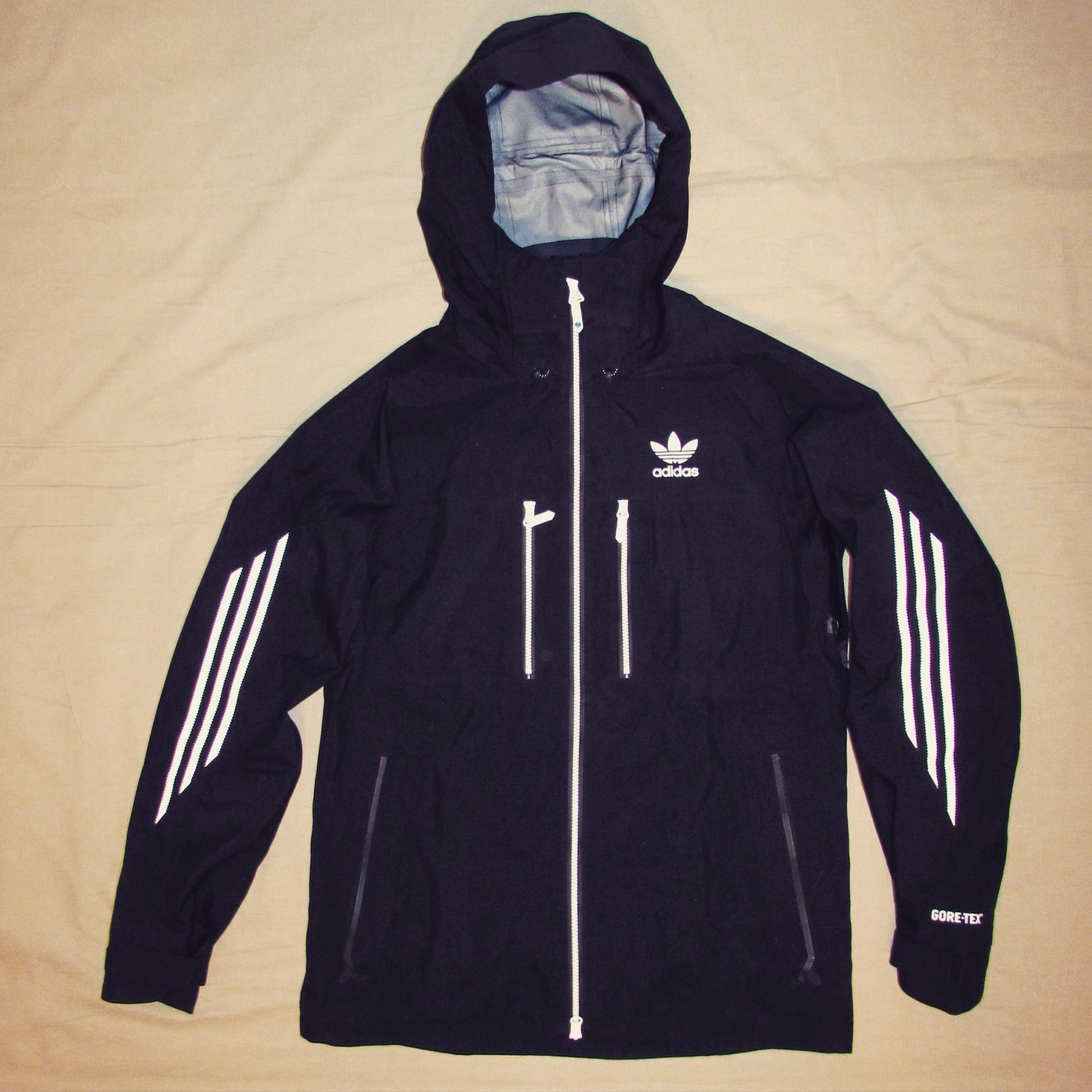18. adidas snowboarding Catchline Gore-tex Jacket
