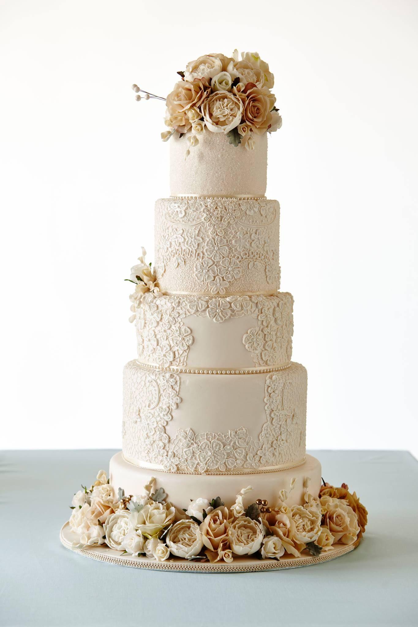 Best Wedding Cake Designers In Australia In 2020 Wedding Cake Strain Modern Wedding Cake Winter Wedding Cake