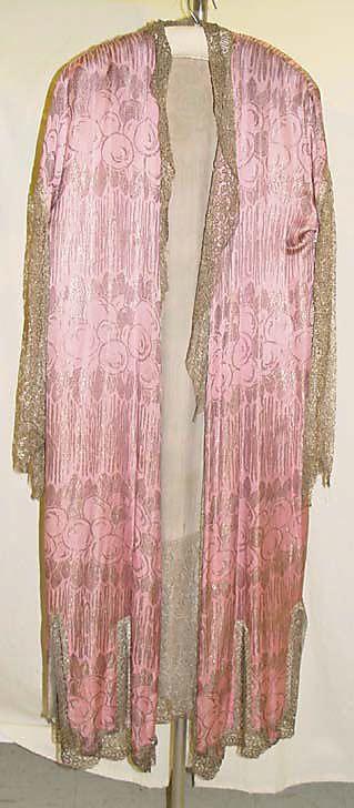 Dressing gown Date: 1920s Culture: American Medium: silk, metallic thread Accession Number: 1979.216.6