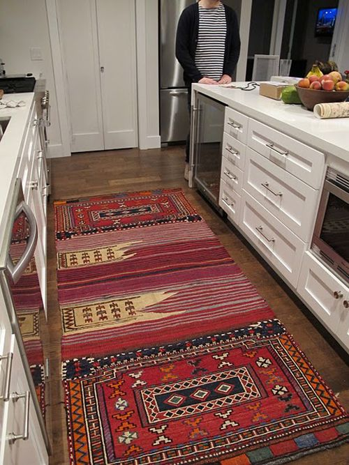 Love this rug for the dining room via Amber Interiors