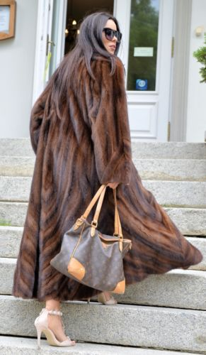 Royal Mink Fur Long libertin manteau classe de Sable Chinchilla Fox veste gilet marron