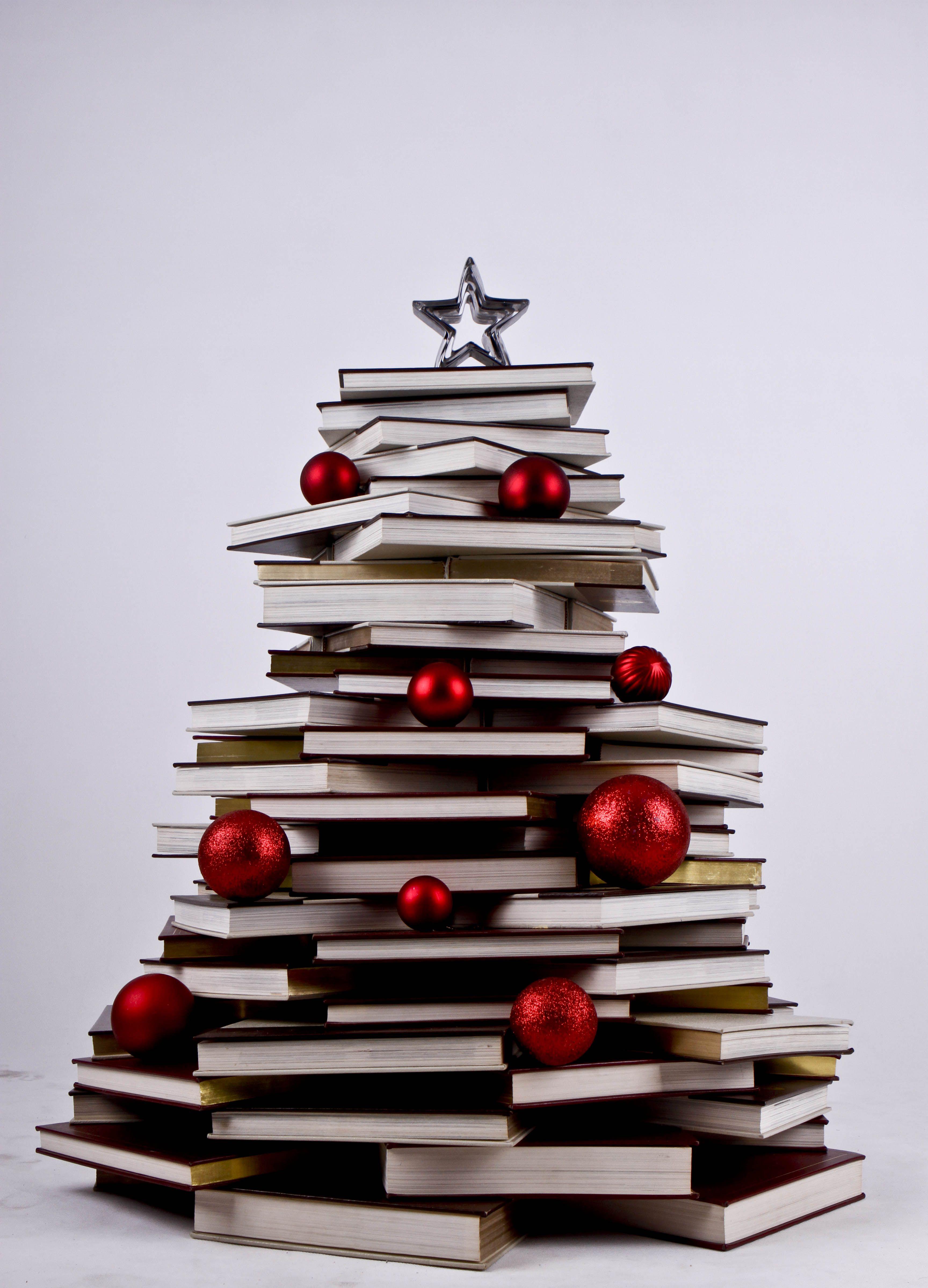 Libri Decorazioni Natalizie.Letture Di Natale Tradizioni Natalizie Idee Per L Albero Di Natale Libri Natale