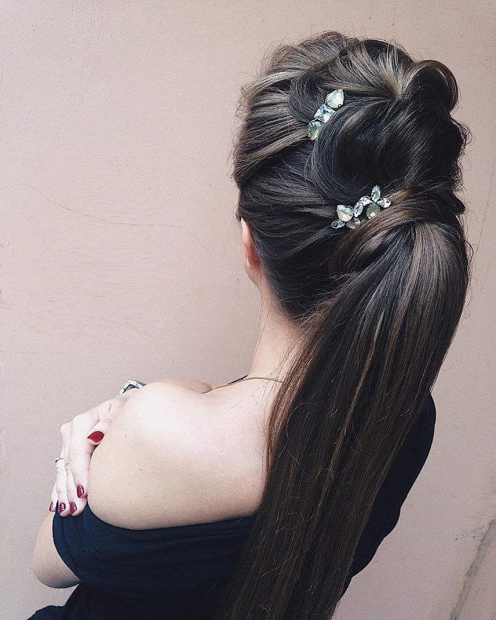 Pony tail hairstyle with hair accessories | wedding hairstyles | wedding hairstyle for long hair #hairstyle #hairideas #weddinghairstyles #ponytail #promhair
