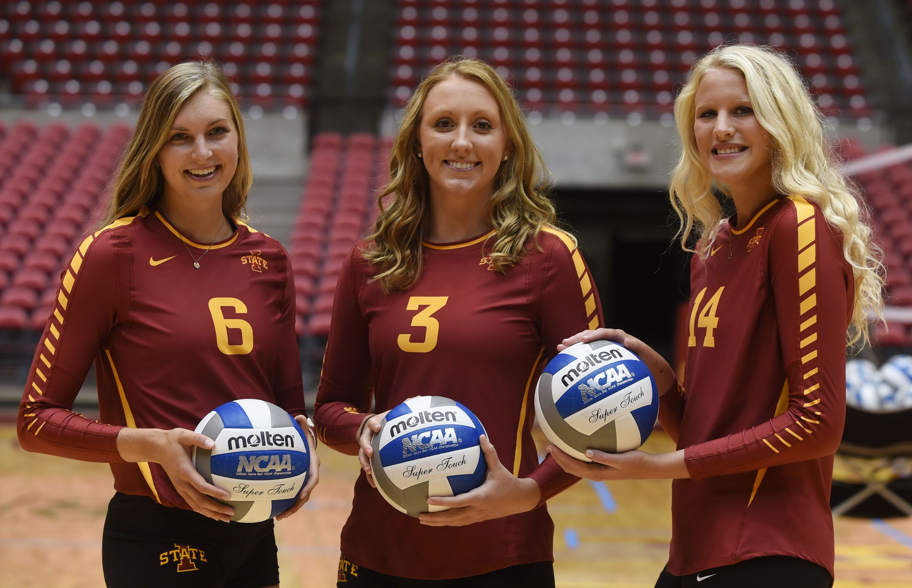 Iowa State Volleyball Players From Left Alexis Conaway Morgan Kuhrt And Jess Schaben Pose During Media Day Iowa State Cyclones Iowa State Volleyball Players