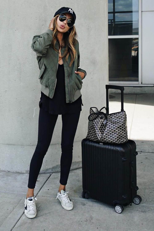 552bc38270f Estilo sporty chic  la tendencia de moda más cómoda. Bomber jacket ...