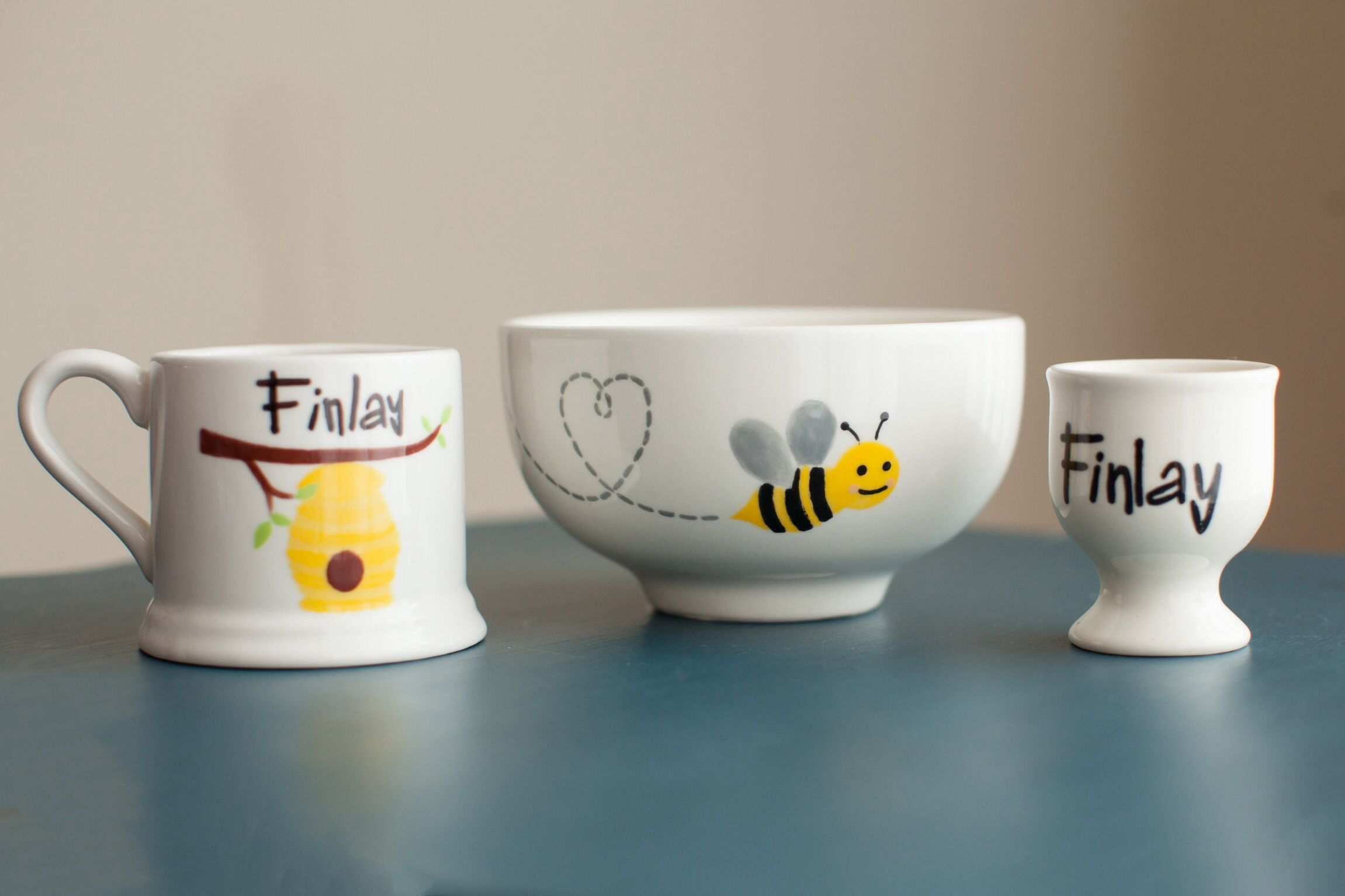 Personalised Ceramic Bee Children S Dinner Set Each Piece Has Been Hand Painted And Includes Plate Bowl Childrens Pottery Childrens Mugs Pottery Painting