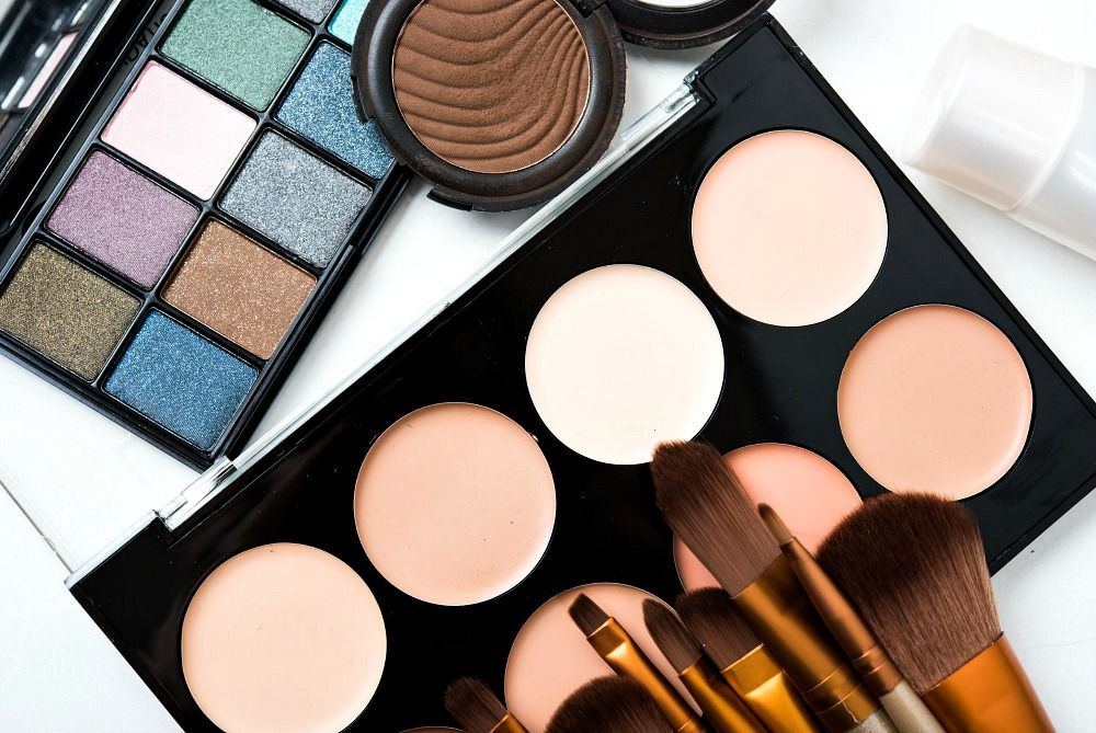 5 Best Makeup Palettes for Travel in 2020 Best makeup