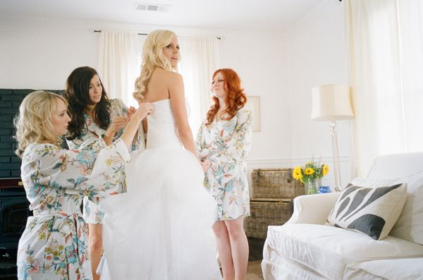 why didn't i get my bridesmaids fabulous matching robes?? #robes #wedding #bridesmaids #bride #gettingready #gown