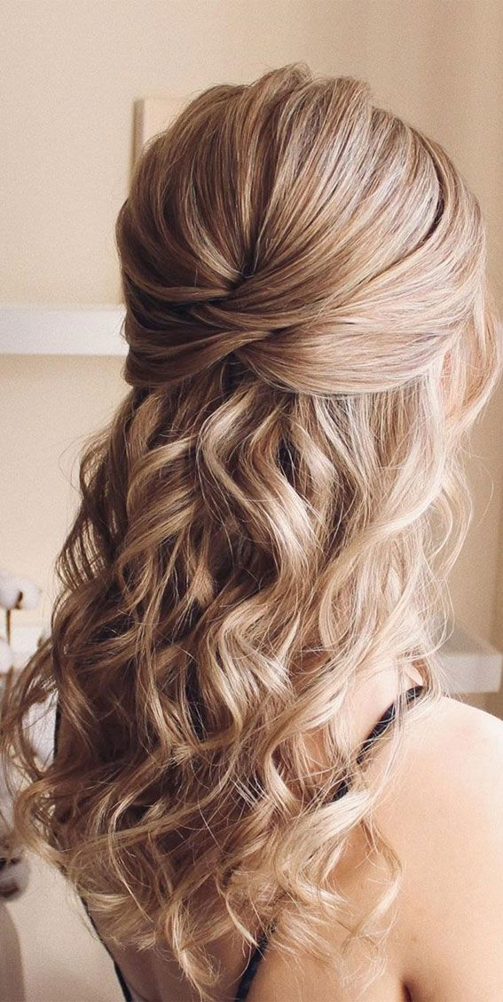43 Eye Catching Half Up Hairstyles  golden blonde beauty Gallery