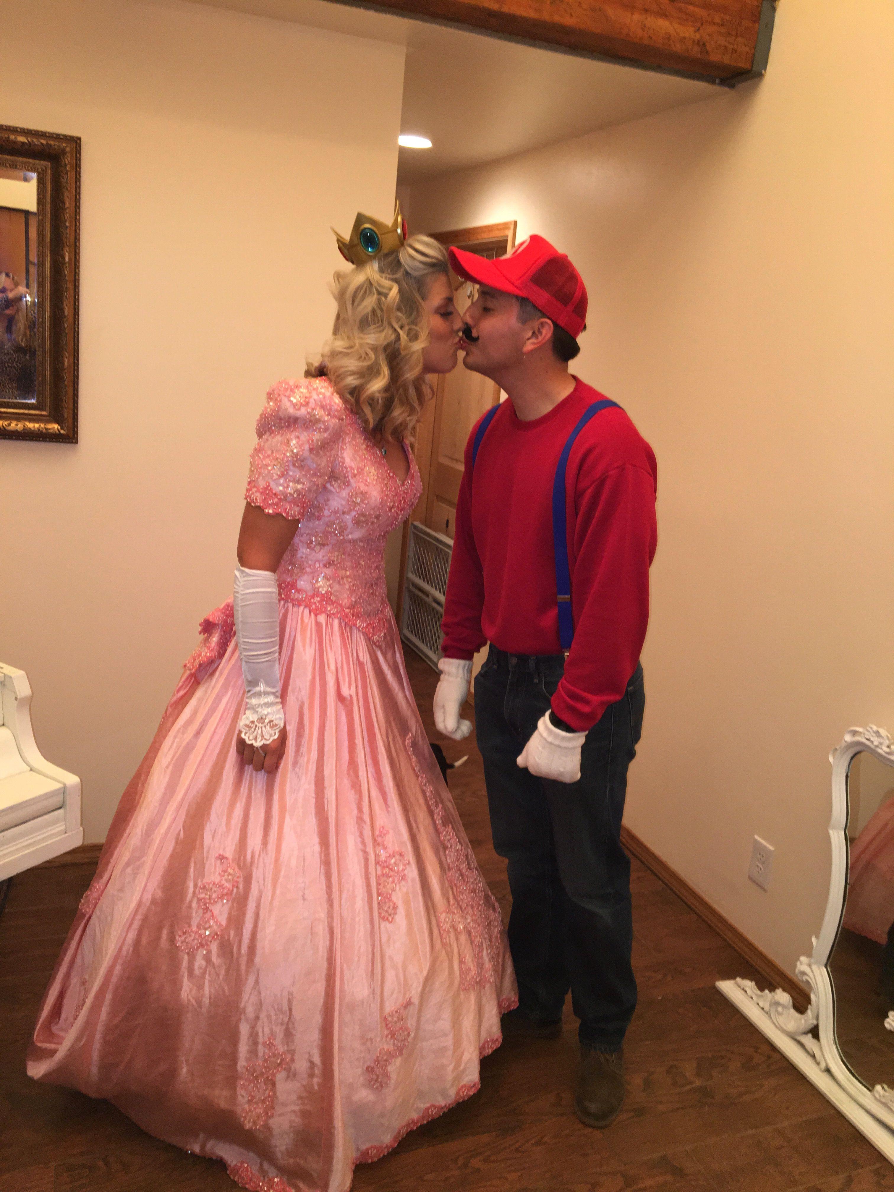 Princess Peach and Mario, Halloween Party 2017 Halloween