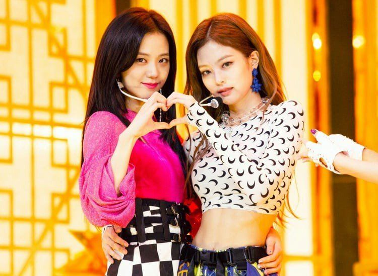 Instiz Reveals Female Idols Chosen By Other Active Idols As Most Beautiful In Real Life Blackpink Jisoo Black Pink Blackpink
