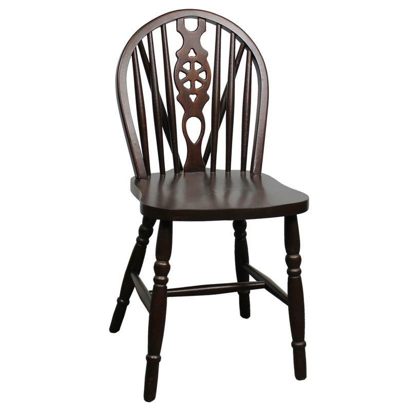 Der Windsor Stuhl Victoria Ist Ein Echter Klassiker Unter Den Esszimmerstuhlen Die Typische Stabchenlehne Und Gedrechselt Holzstuhle Stuhle Holz Drechseln