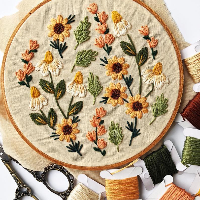 Summer Wildflowers Embroidery Pattern. Beginner Embroidery. PDF embroidery pattern. 6″ hoop. Floral Embroidery pattern. Embroidery pattern