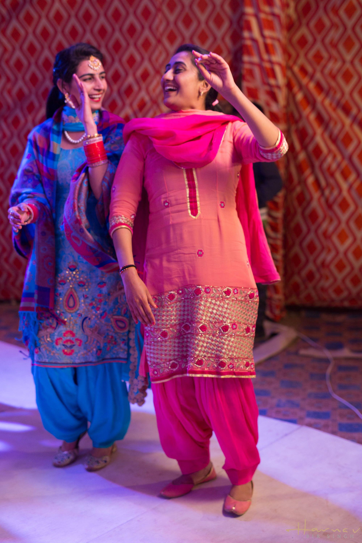 Sukhmeet\'s Sangeet Night – NavSukh – Punjab Wedding Photographer ...