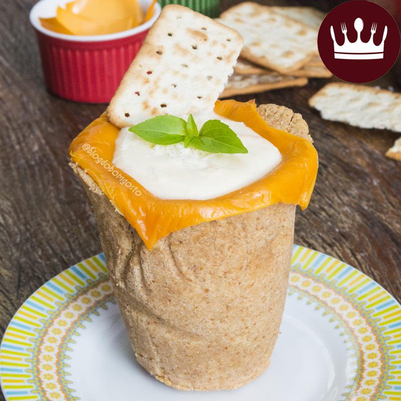Com creme de queijo quente: COPO DE COOKIES SALGADO!