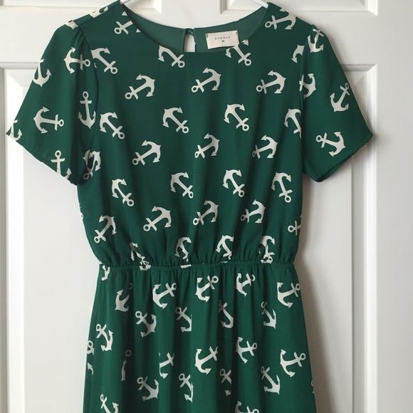 Dark green naval-pattern boutique dress Super-comfortable naval-themed (anchor print ⚓️⚓️⚓️) dark green dress. Elasticized waist, one button at neck. Fully lined in matching fabric. Brand is Everly; this was purchased at a local boutique (and worn once). Size is S but works as a medium (in my opinion ). Everly Dresses