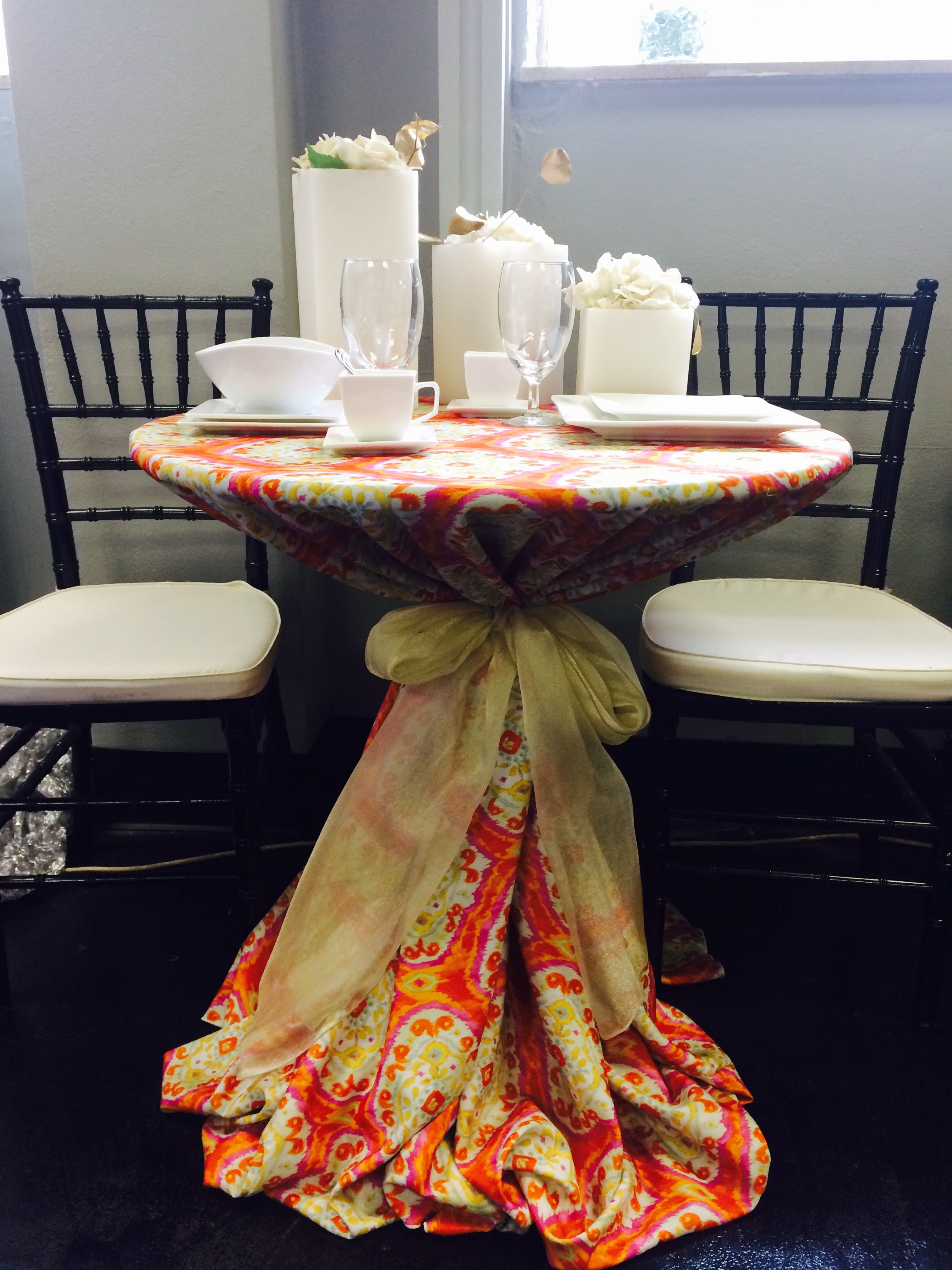 Awe Inspiring Orange Aztec Luxury Linen With Gold Organza Bow Black Squirreltailoven Fun Painted Chair Ideas Images Squirreltailovenorg