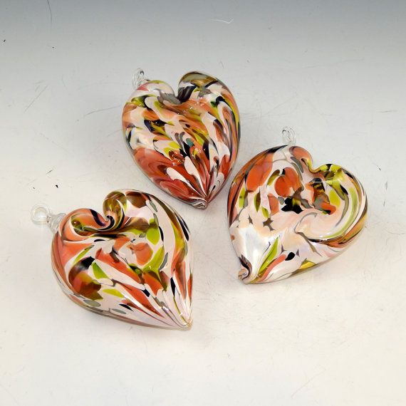 Hand-Blown Glass Hearts Spring Wave por DBRGlassworks en Etsy