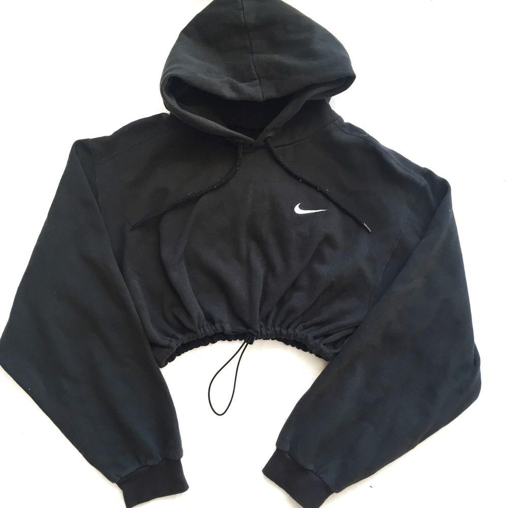 Reworked Nike Swoosh Crop Hoody Blk Hoodies Nike Sweatshirts [ 1000 x 1000 Pixel ]