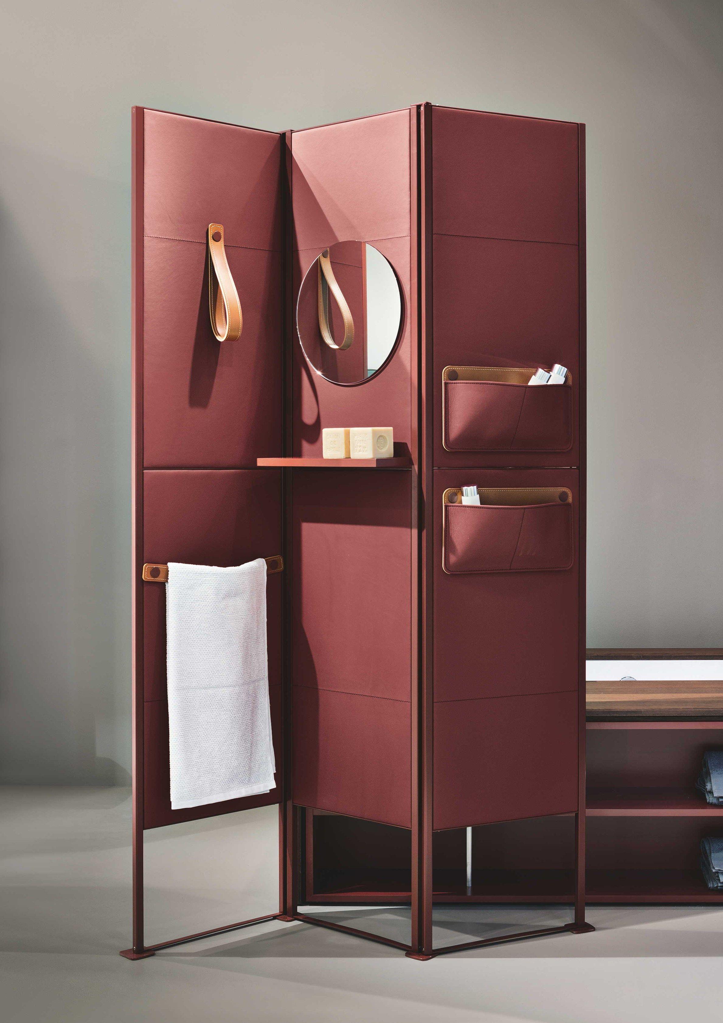 Biombos de cuero shade by makro dise o marco taietta for Diseno de apartamentos industriales