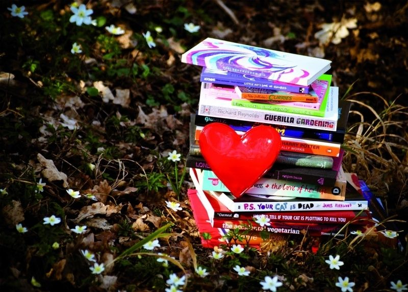 Cardcetera: Books - With love