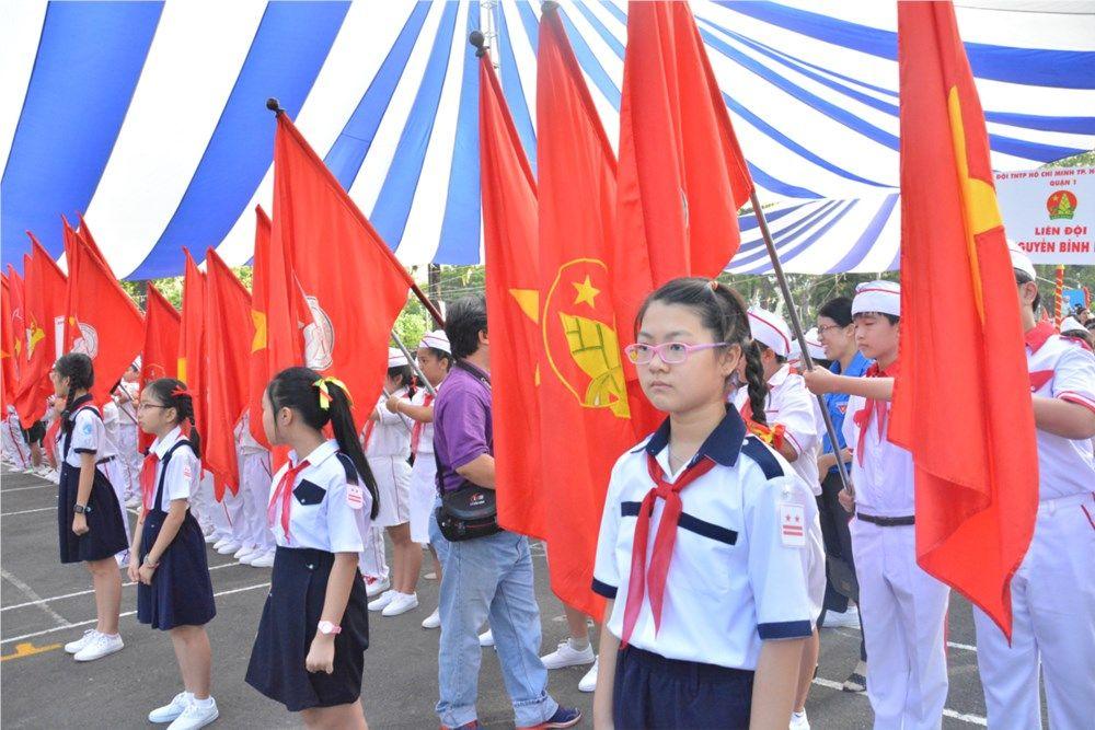Áo cờ đỏ sao vàng trường Tiểu học Nguyễn Bỉnh Khiêm - Hình 4