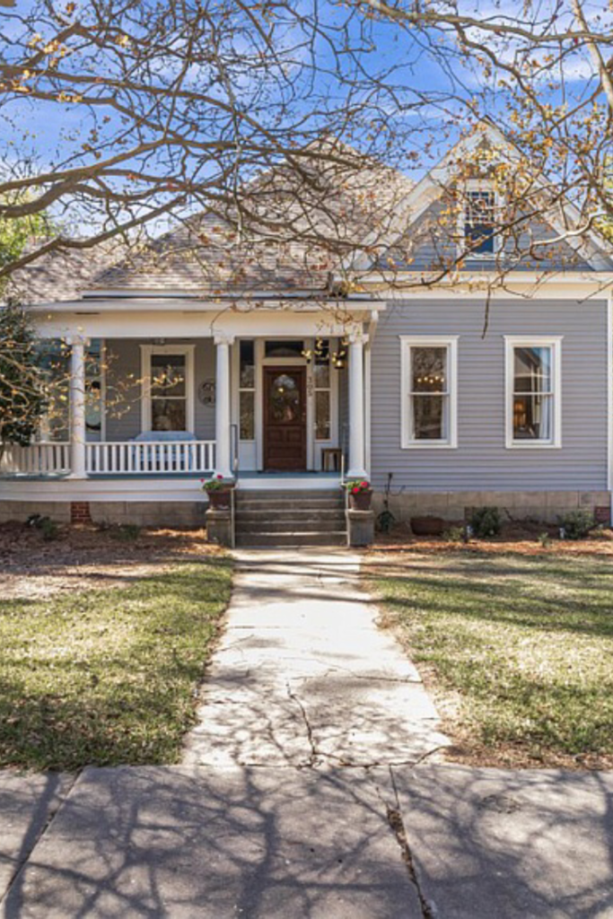 1908 Victorian For Sale In Crystal Springs Mississippi Captivating Houses House Exterior Old Houses Dream Cottage