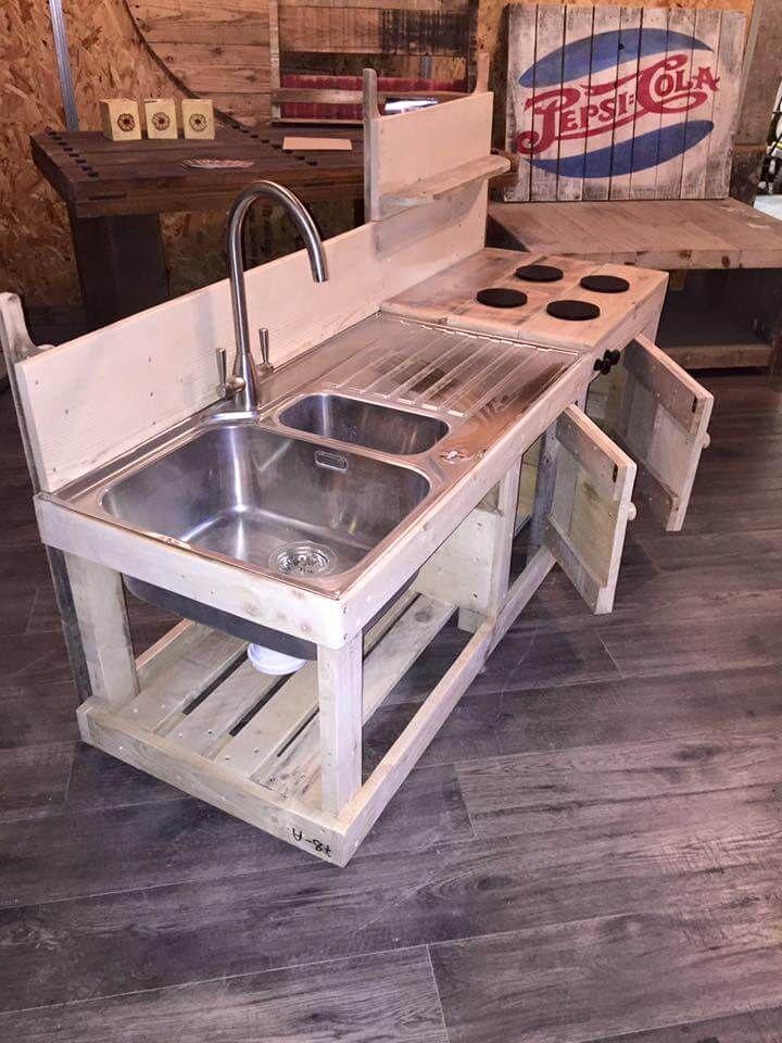 upcycled-pallet-mud-kitchen.jpg (720×960) | estibas palets ...