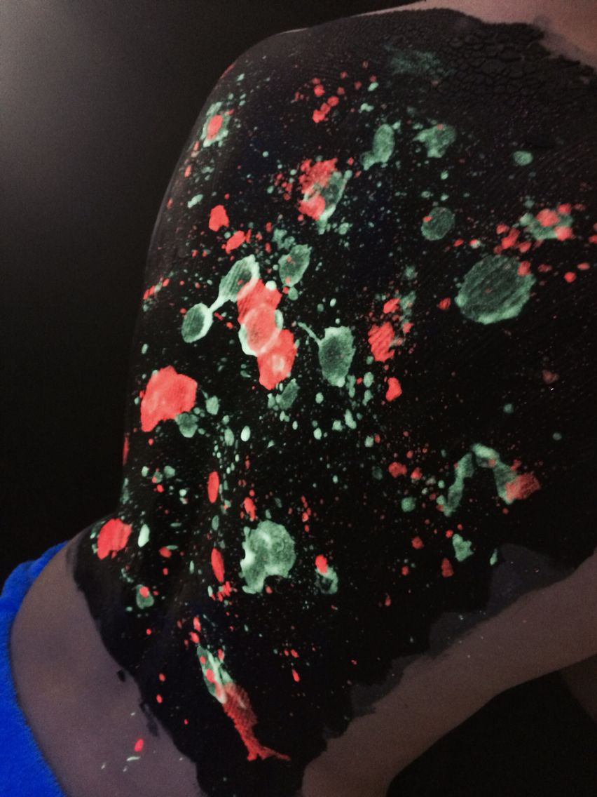 Uv body paint