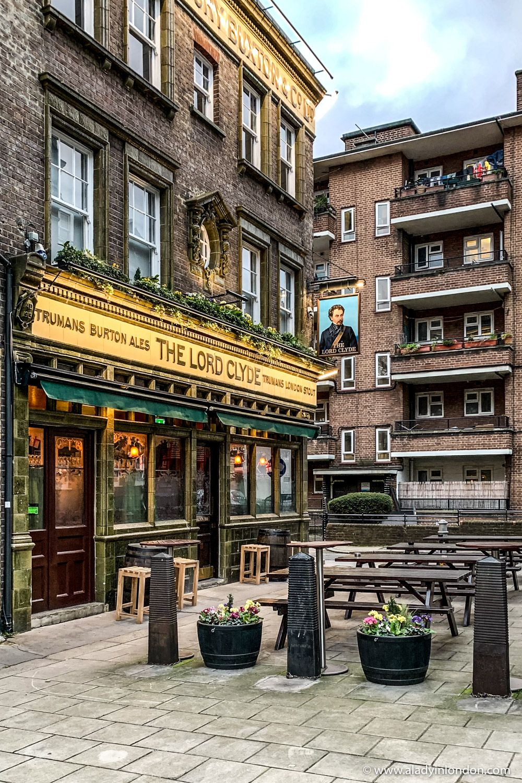 Historic London Pub near Borough Market - A Lady in London
