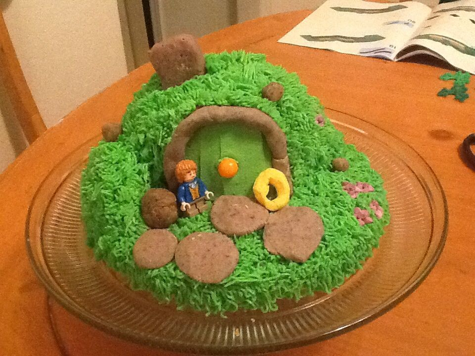 Hobbit house using half of the ball pan and a round sheet