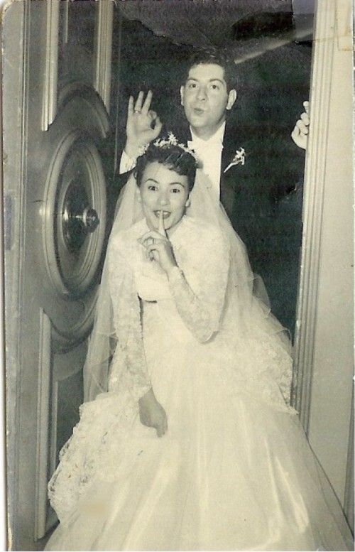 Vintage snack: 1950s lace sleeves and lots of sass (With images) | Vintage wedding photos, Vintage wedding, Wedding gowns vintage